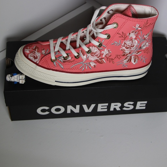 093dc2830c9ce9 Converse Flowers   Pink Leather All Star High Tops